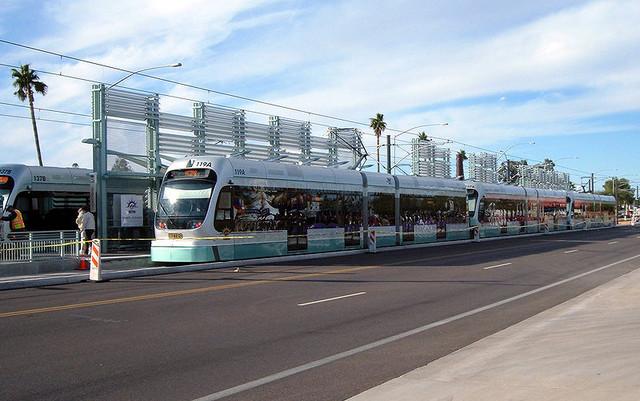Система легкорельсового транспорта на обособленных путях категории ROW-B