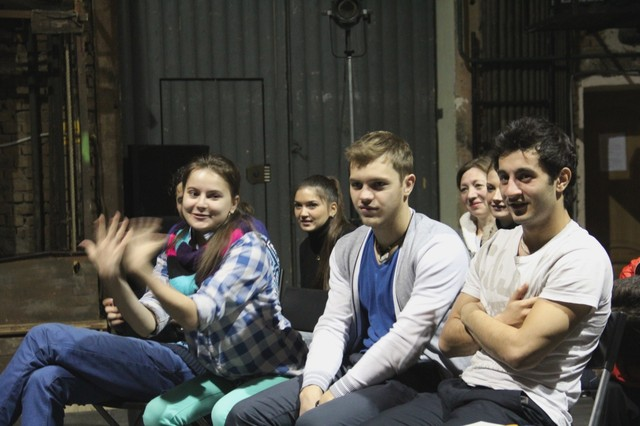"""Репетиции """"Подростка с правого берега"""" в ТЮЗе"""