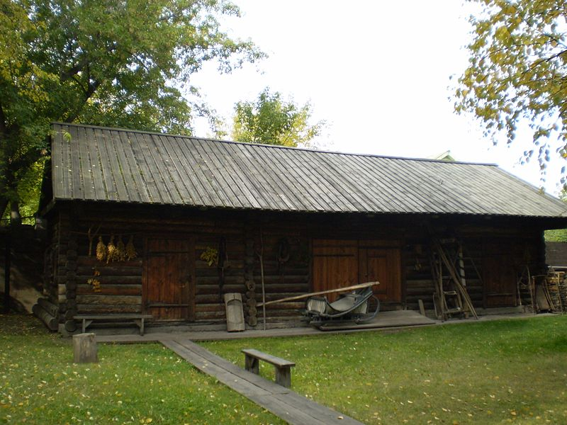800px-Surikow;s_barn
