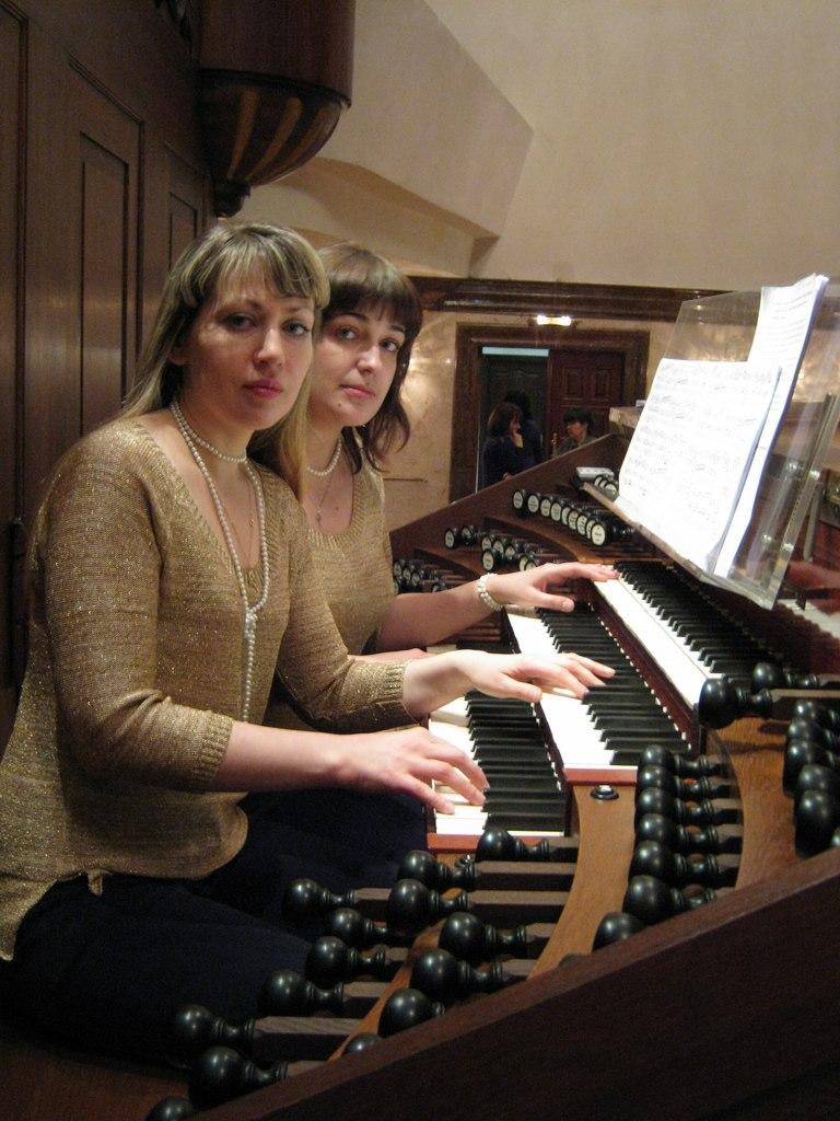 Наталья и Антонина Воронины
