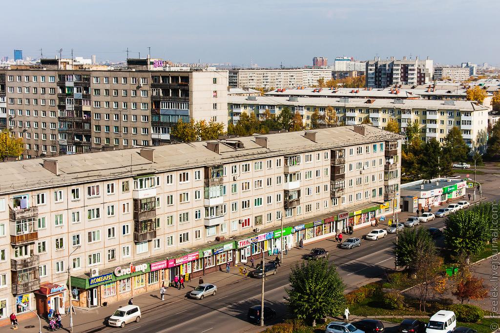Стрит-ритейл. Улица 60 лет Октября. Источник http://feelek.livejournal.com/84669.html
