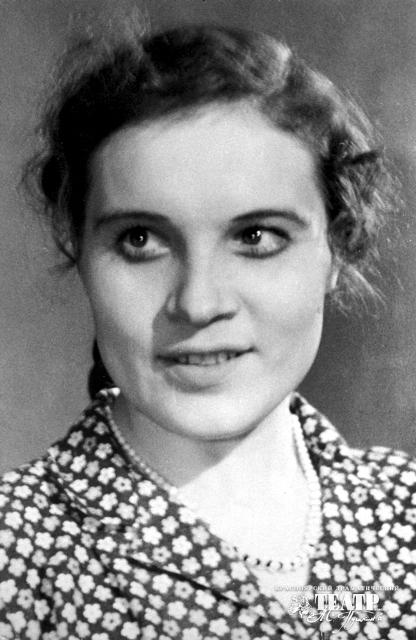 Актриса Екатерина Мокиенко в юности